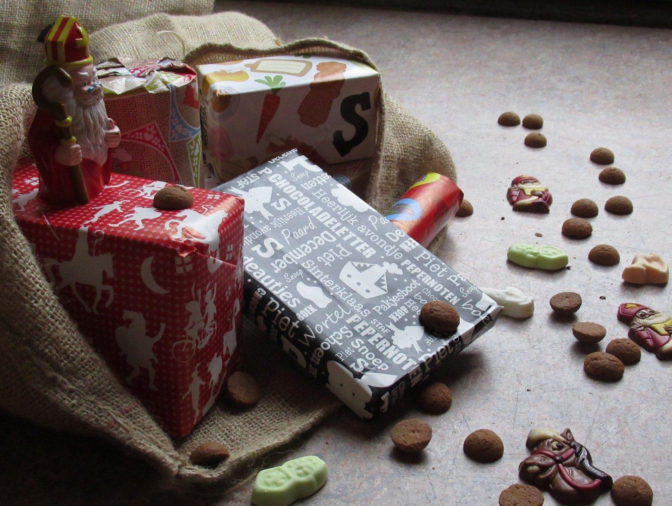 De Maretak helpt Sinterklaas met een 'Speciaal voor jou' cadeau